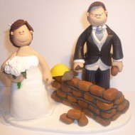 bricklayer-cake-topper