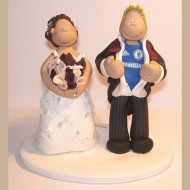 bride-groom-chelsea-shirt-wedding-cake-topper