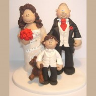 bride-groom-child-with-teddy-cake-topper