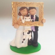 bride-groom-holding-photo-frame