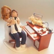 bride-groom-laptop-pc-cake-topper