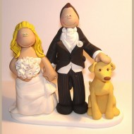 bride-groom-patting-dogs-head-cake-topper