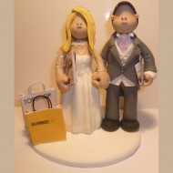 bride-groom-shopping-cake-topper