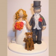 bride-groom-tophat-with-cat-cake-topper