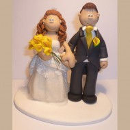 bride-groom-yellow-lillies-cake-topper