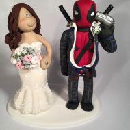 deadpool-wedding-cake-topper