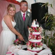 eyepatch-topper-on-cake-2