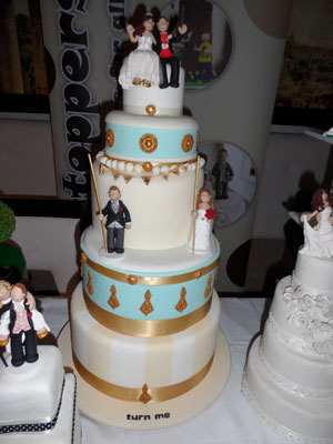 fake-wedding-cake