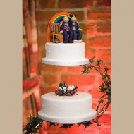gay-couple-topper-on-cake