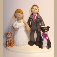 groom-with-eyepatch-wedding-cake-topper