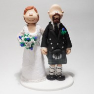 lifting-kilt-wedding-cake-topper