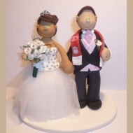 liverpool-scarf-wedding-cake-topper