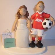 man-united-shopping-wedding-cake-topper