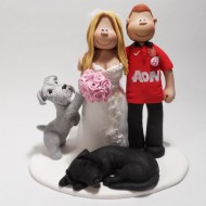 man-utd-topper-with-dogs