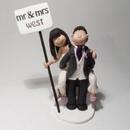 piggyback-wedding-cake-topper