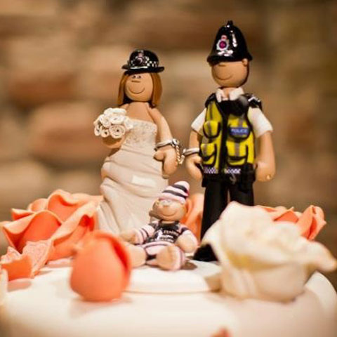 police couple wedding cake toppers wedding cake toppers on their cakes totally toppers 18669