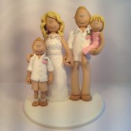 sandy-themed-family-cake-topper