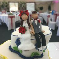 sitting-down-cake-topper