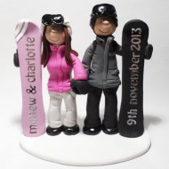 snowboarding-cake-topper-with-wedding-date