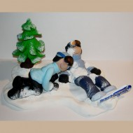 snowboarding-wedding-cake-topper