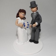 texting-cake-topper